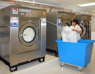 Industrial on-premise Washer Extractors
