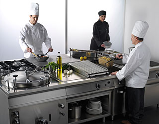 Fagor-Industrial-catering-equipment-horizontal-kitchen
