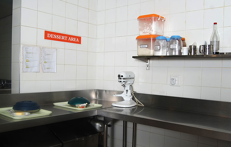 midmed-hospital-catering-equipment-dessert-area