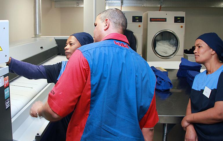 10 laundry-training-stellenbosch-mediclinic-speed-queen-washing-machines