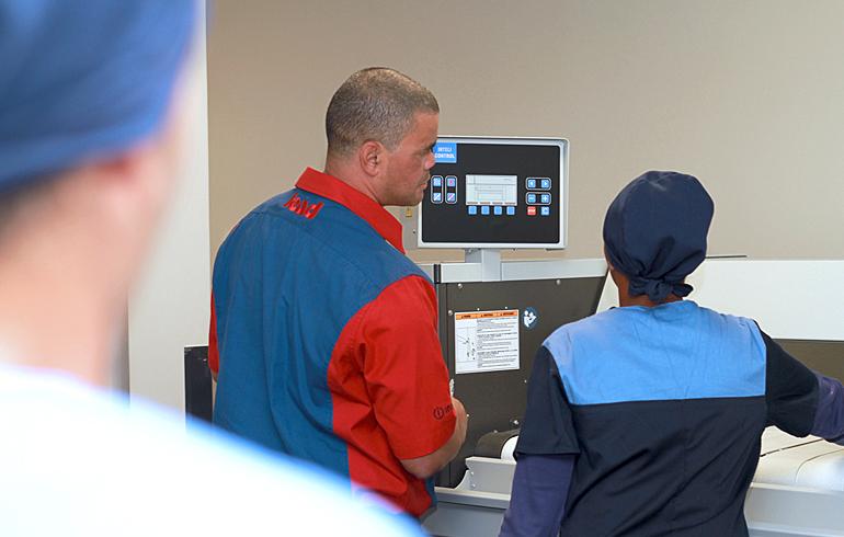 11 laundry-training-stellenbosch-mediclinic-speed-queen-washing-machines