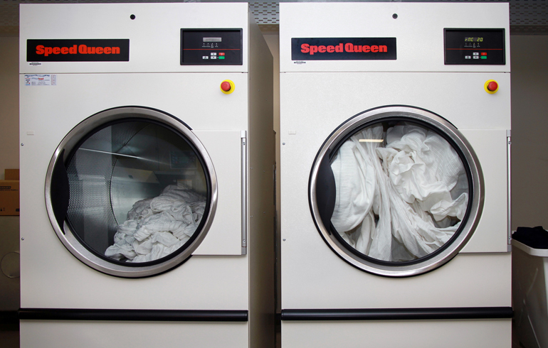 3 stellenbosch-mediclinic-laundry-speed-queen-washers